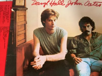 Hall & Oates / Along The Red Ledge